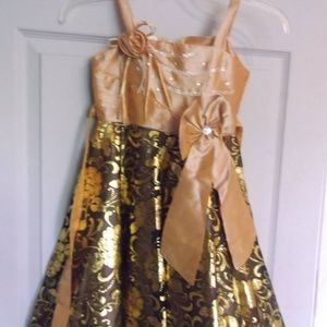 Other - Gold Party Dress Girl Size 5 NWT